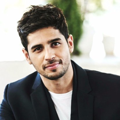 Sidharth Malhotra Height Weight Age Girlfriend Affairs
