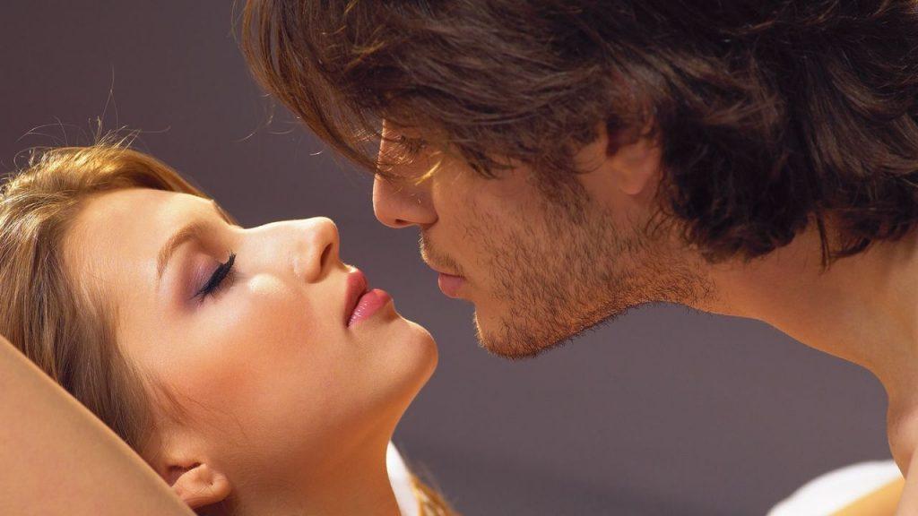 hot-couple-1080p-background_1_1280x720