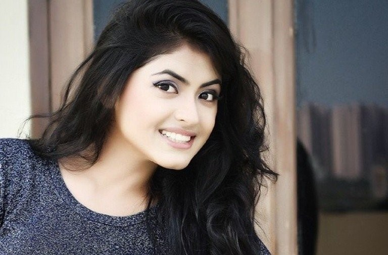 Simi Chahal Height Weight Age Bio Affairs Amp More