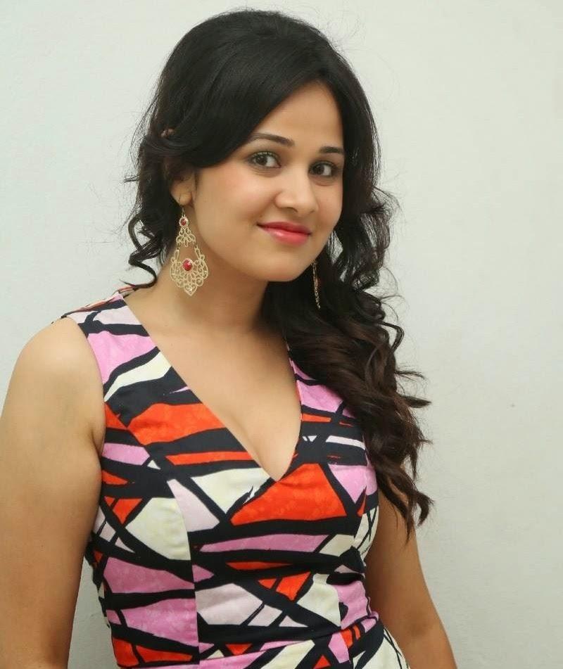 Nisha kothari priyanka kothari height weight age for Nisha bano husband name