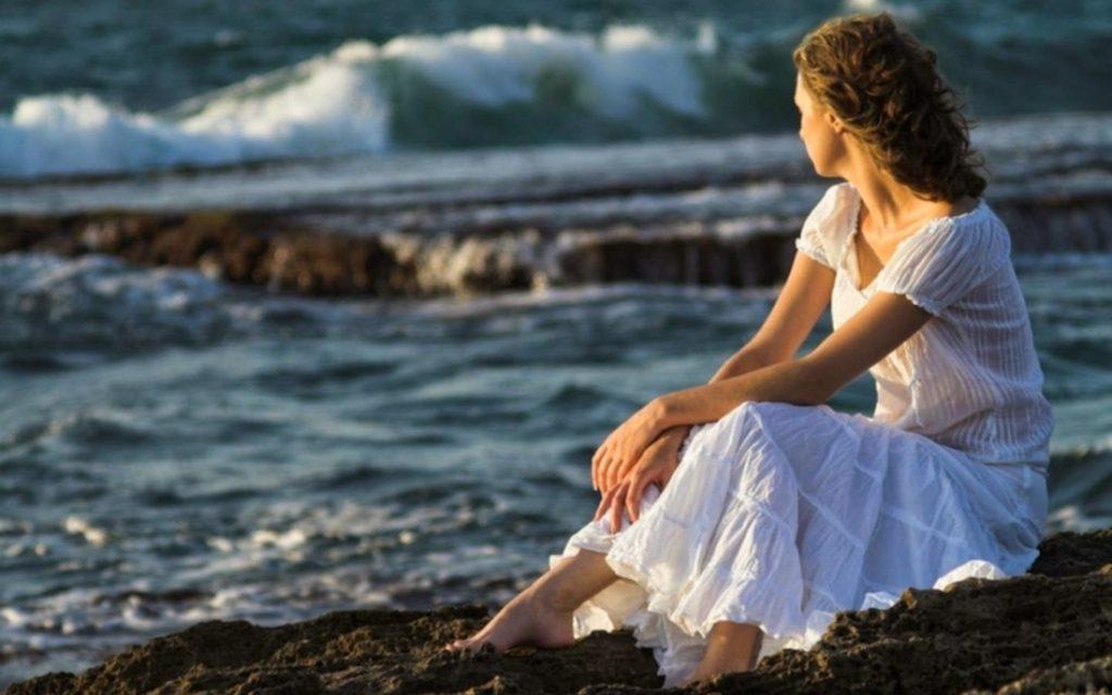 Sad-Girl-Sea-Hd-Wallpaper life and lesson