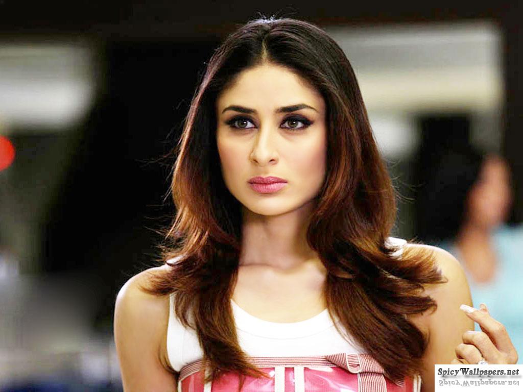 Angry-Look-Of-Bollywood-Sexy-Actress-Kareena-Kapoor-Most-Beautiful-Actress-Kareena -4866