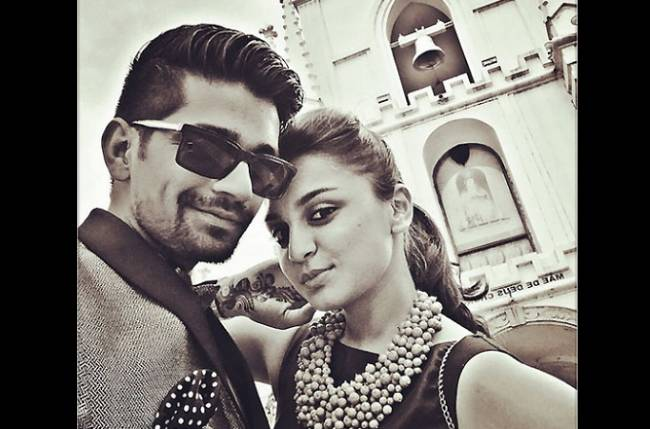 vishal singh dating The lead actors of chandrakanta- ek mayavi prem gaatha, madhurima tuli and vishal aditya singh are reportedly dating for a long time the entire team of the show is aware of their relationship, and have been only supportive of the match.