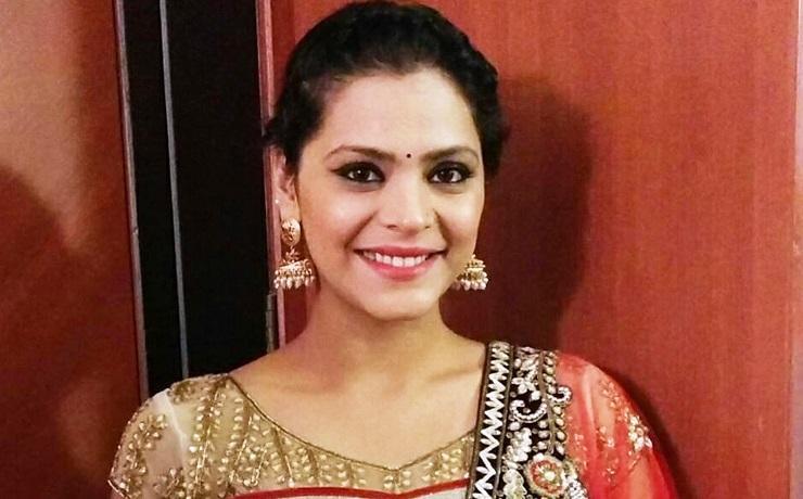 Anuja Sathe aka Dharaa of Tamanna Star Plus image- off screen