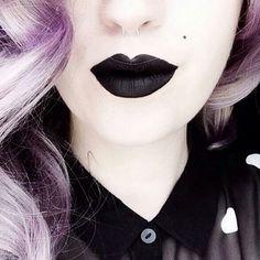 black lipsticck