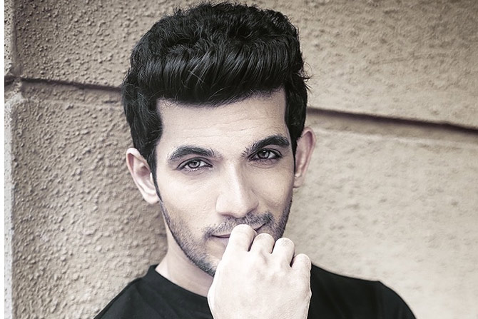 Arjun Bijlani Height Weight Age Wife Affairs Amp More