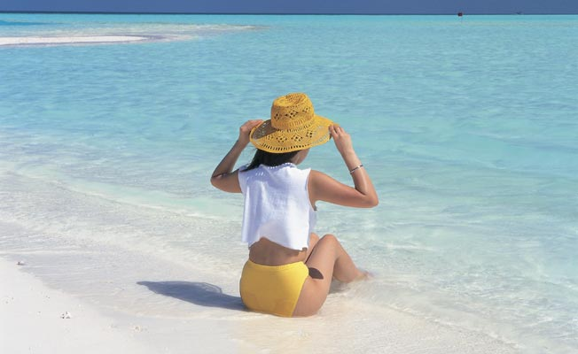 Why-You-Should-Date-A-Girl-Who-Loves-The-Beach