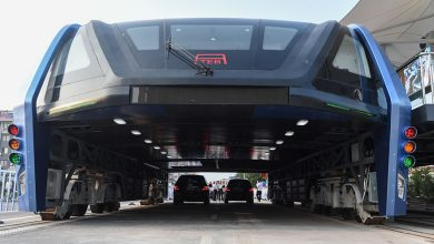 Photo of China's Elevated Bus That Drives Over Traffic? Well, It's Actually Travels Above The Car!!