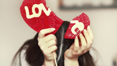 Photo of 7 Reasons Why Loving Someone Too Much Kills the Love