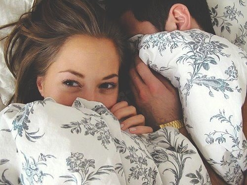 Activities to Do with Your Boyfriend - Stay in Bed