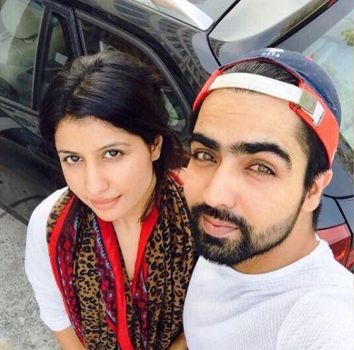 Hardy Sandhu with his girlfriend