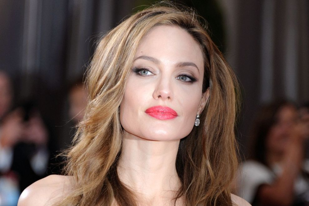 biography of angelina jolie the american actress and her movies Angelina jolie pitt is an american actress, filmmaker, and humanitarian who portrays fox she has received an academy award, two screen actors guild awards, and three golden globe awards.