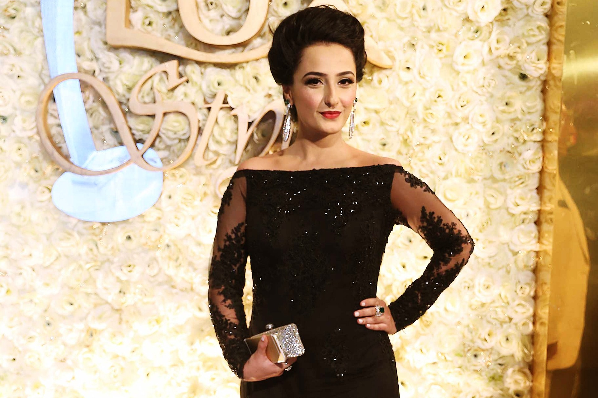 Momal Sheikh date of birth, age, height, weight, education, affair ...