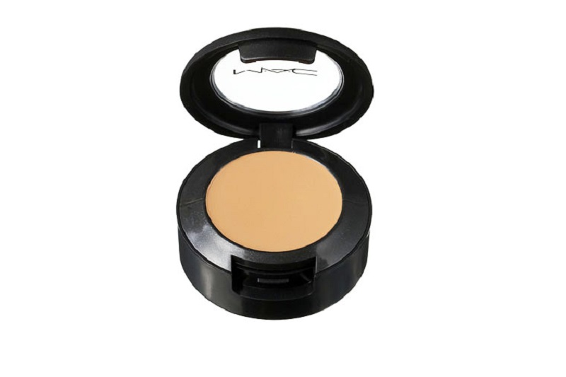 M.A.C. Studio Finish Concealer